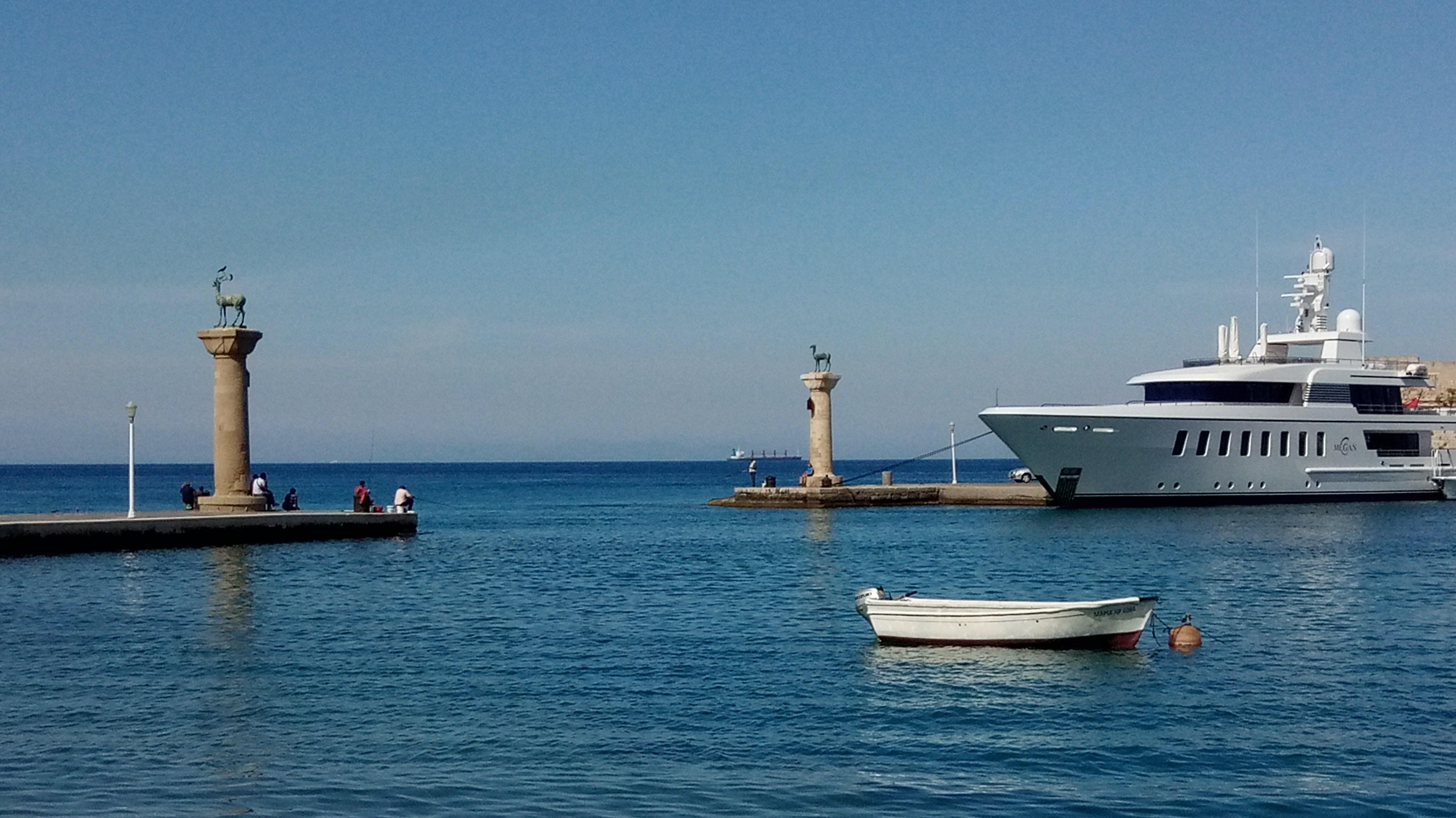Hafeneinfahrt von Rhodos Stadt